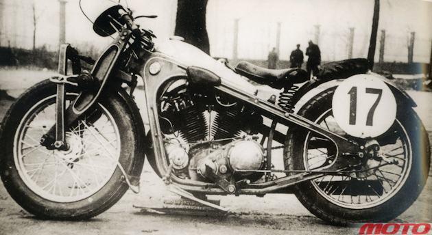 Мотоцикл ПМЗ-А-750 с верхнеклапанным двигателем