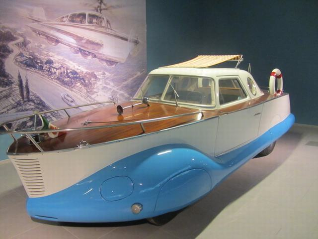 Louwman Museum в Гааге.Fiat 1100 Boat-Car Coriasco 1953 г